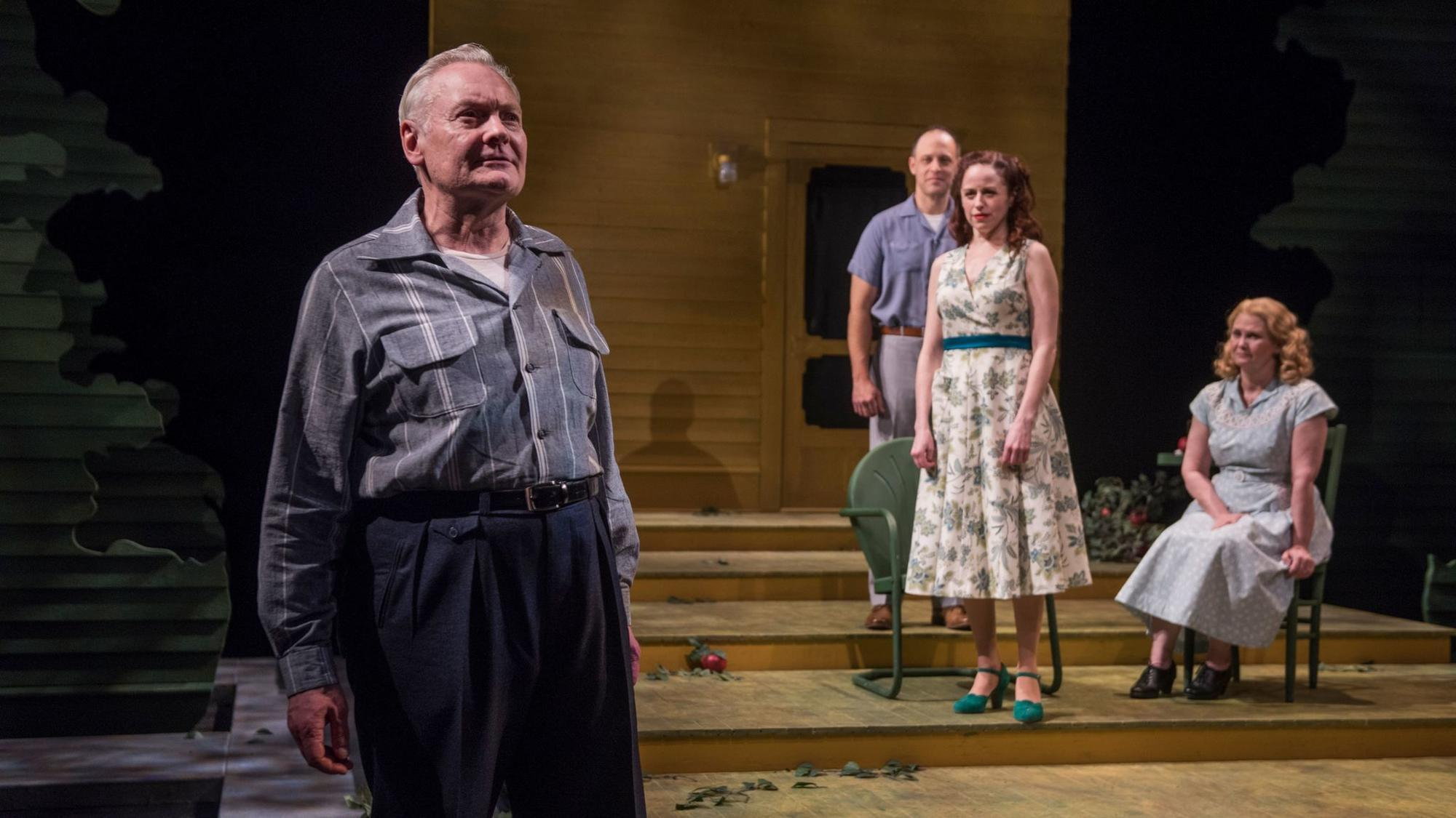 A monumental fall in Court Theatre's 4-star 'All My Sons'