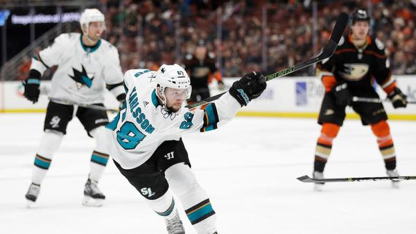 Sharks Score At Will In 6-2 Rout Of Ducks