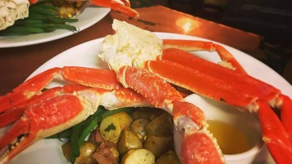 Easton 39 s 3rd ferry fish market offering new daily specials for 3rd ferry fish market