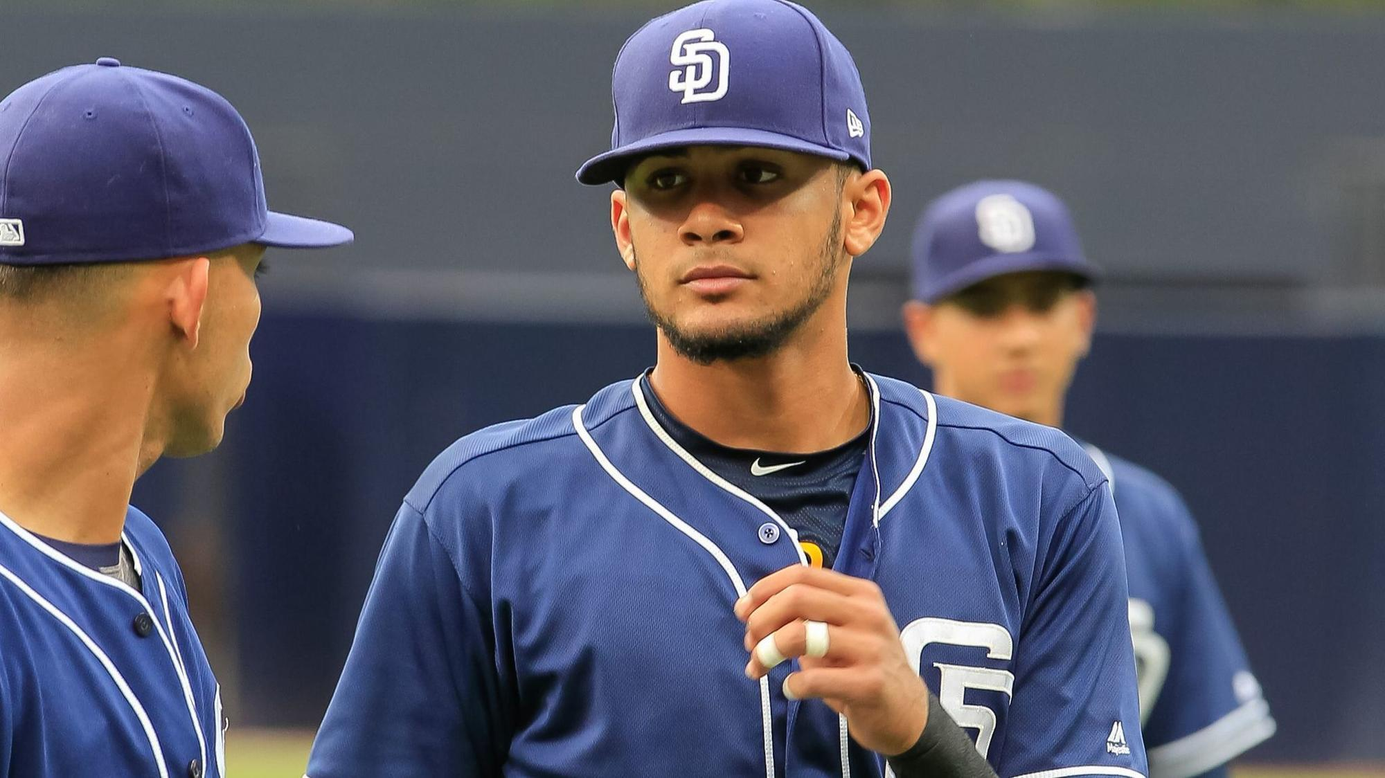Sd-sp-padres-farm-system-the-deepest-its-been-keith-law-espn-20180124