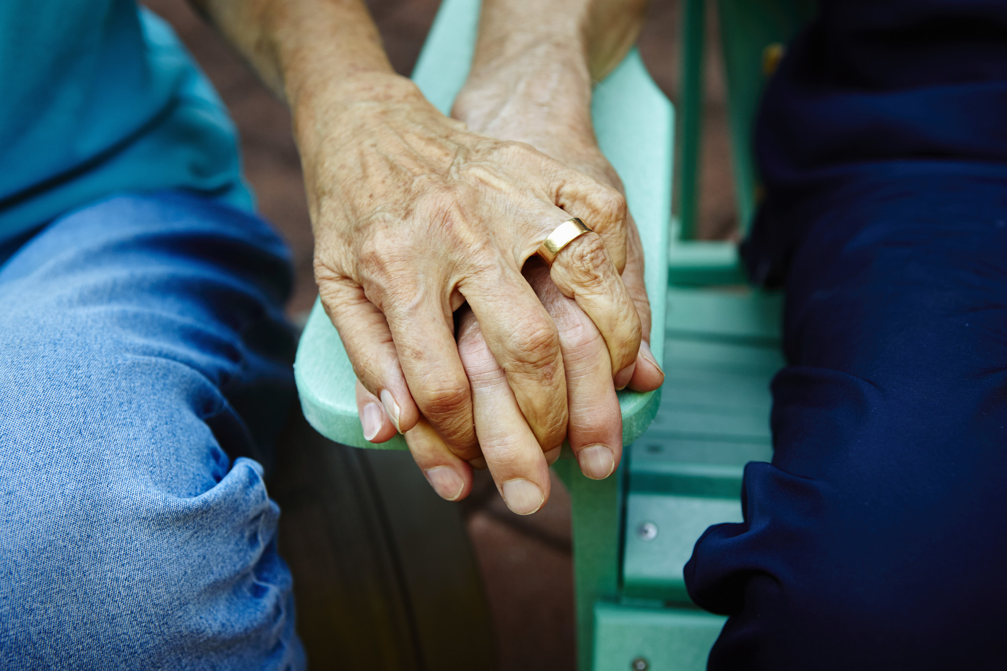Husband with Alzheimer's forgot he was married to his wife of 38 years. He proposed, and they married again.