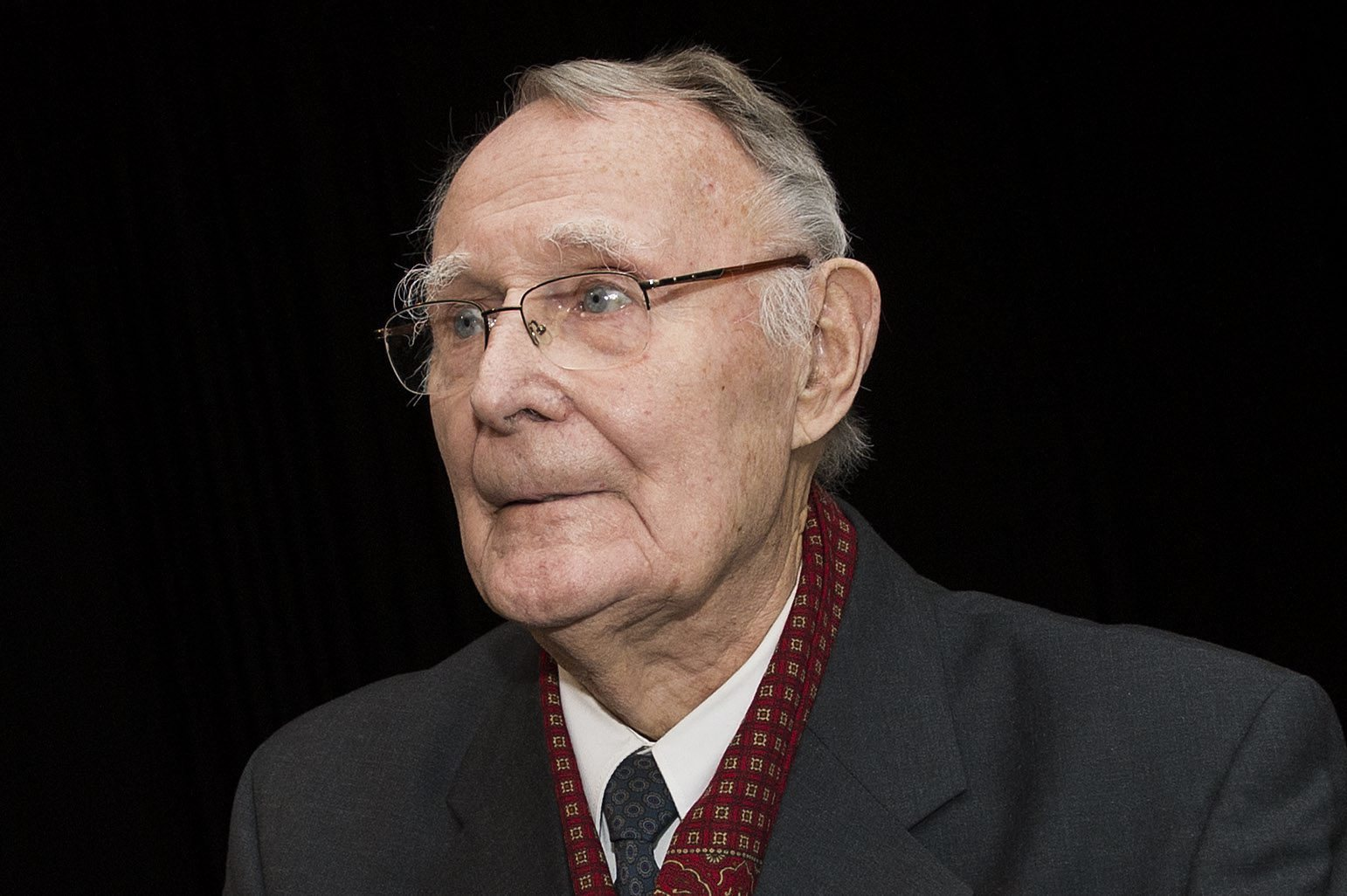 ingvar kamprad and ikea case Ingvar kamprad and ikea case solution, traces the development of a swedish furniture retailer under the leadership of an innovative and unconventional entrepreneur whose approaches define the na.