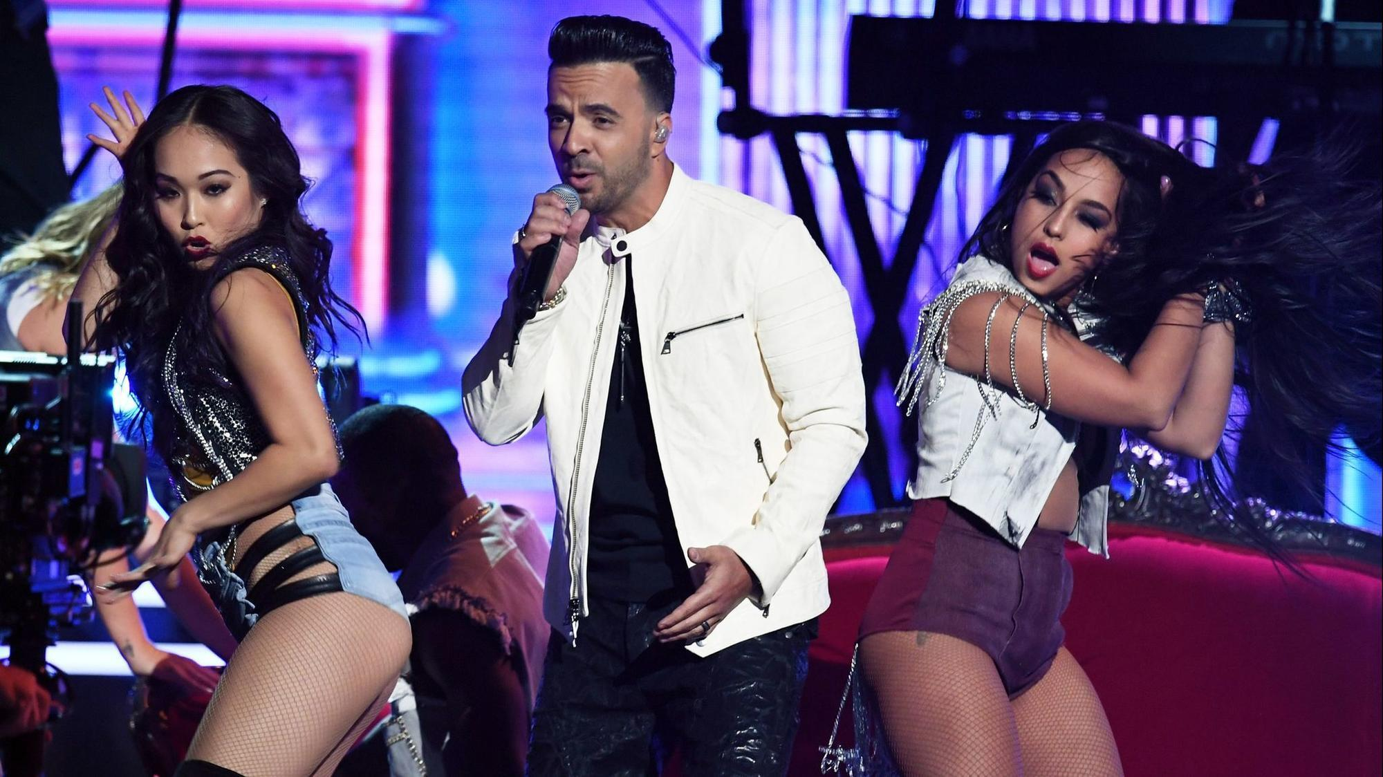Luis fonsis despacito resurges in popularity after the grammys luis fonsis despacito resurges in popularity after the grammys sun sentinel stopboris Choice Image