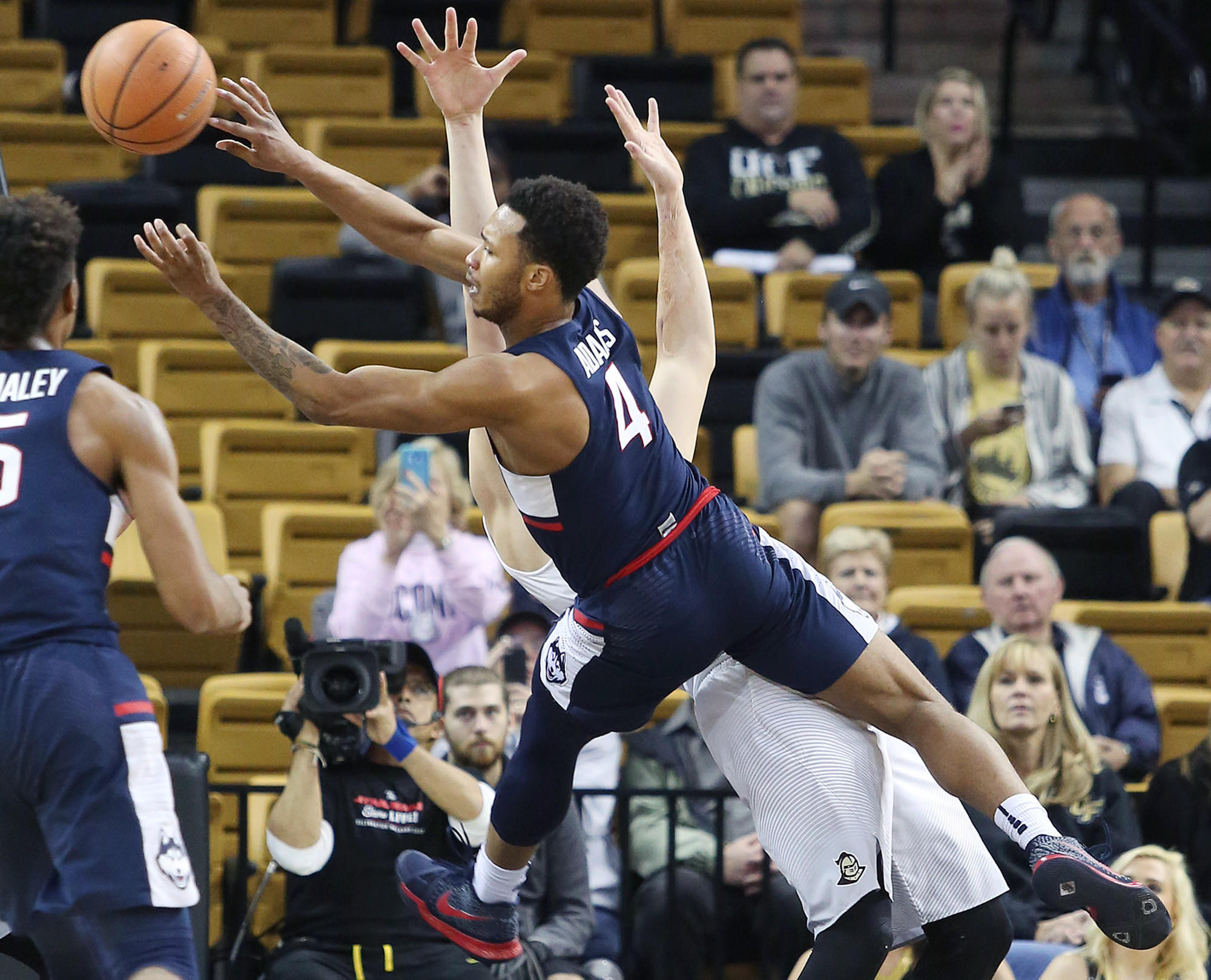 UConn Men Squander Opportunities In 70-61 Loss To Central Florida