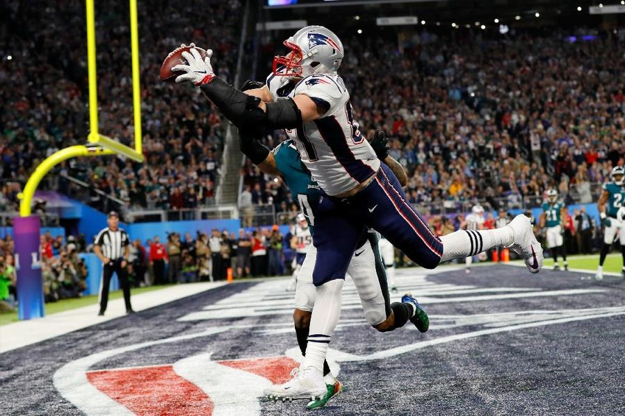 Patriots tight end Rob Gronkowski catches a 4-yard touchdown pass during the fourth quarter of Super Bowl LII. (Kevin C. Cox / Getty Images)