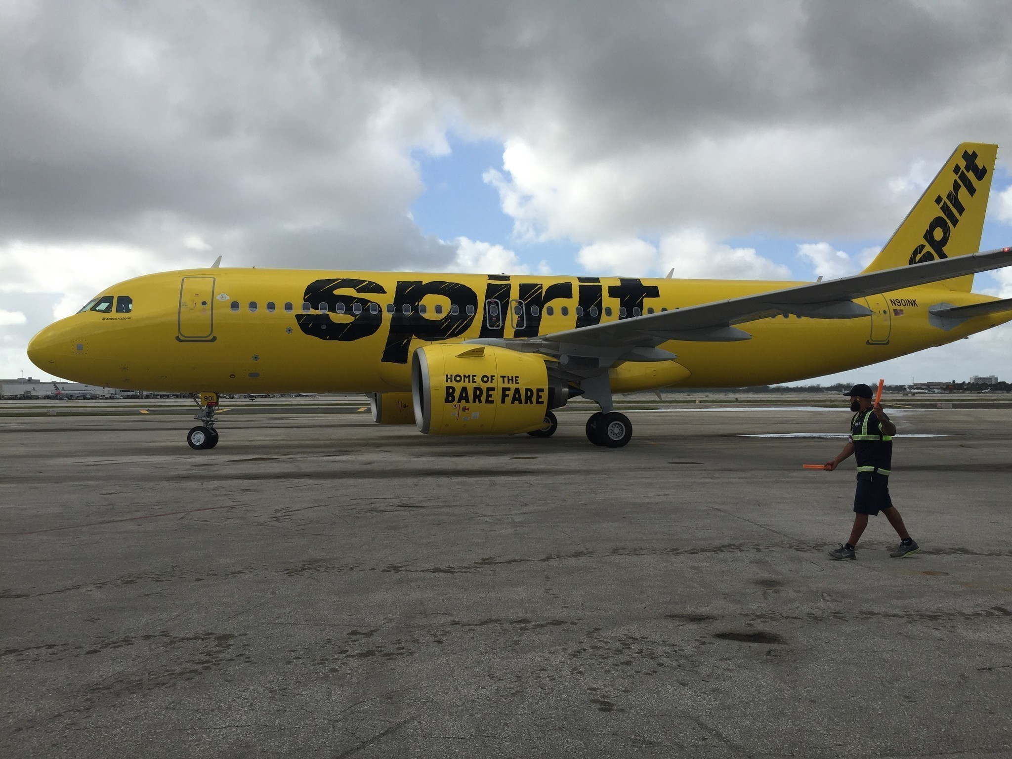 Spirit airlines 39 site crashes customers can 39 t book for Book a flight with spirit airlines
