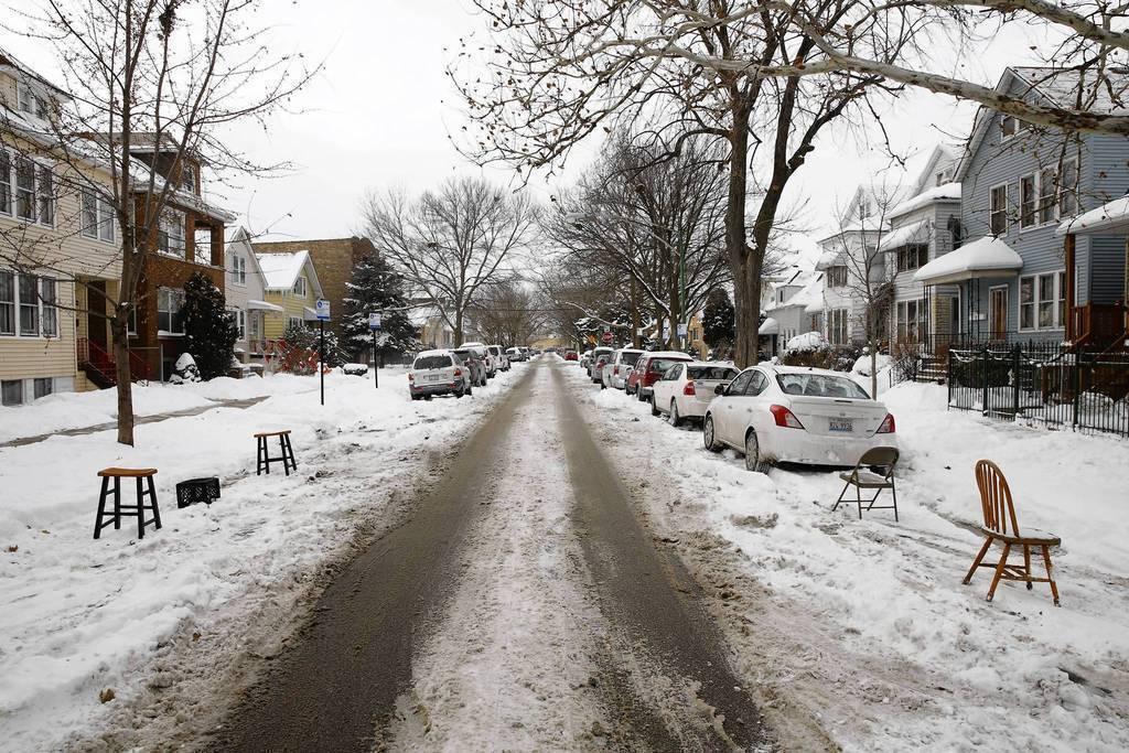 Battle The Snow Not The Neighbors Chicago Tribune