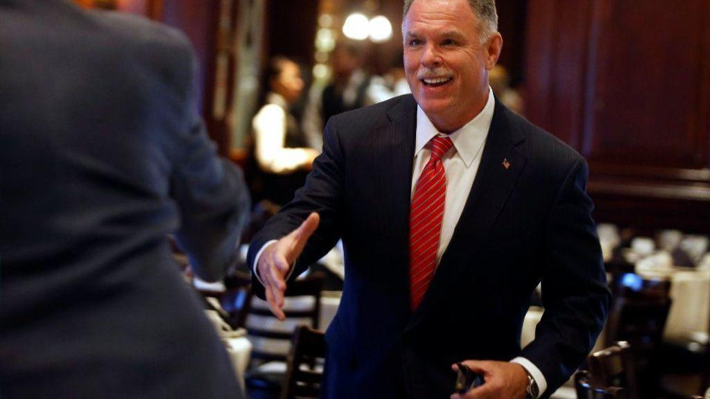 McCarthy offers campaign preview during fundraiser ...
