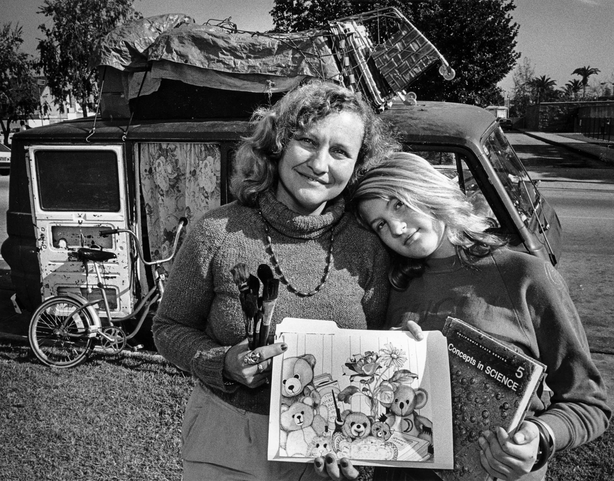 Jan. 12, 1987: Geneva Reese, 36, and daughter Eve, 13, live in a van. Geneva, an artist, holds her s