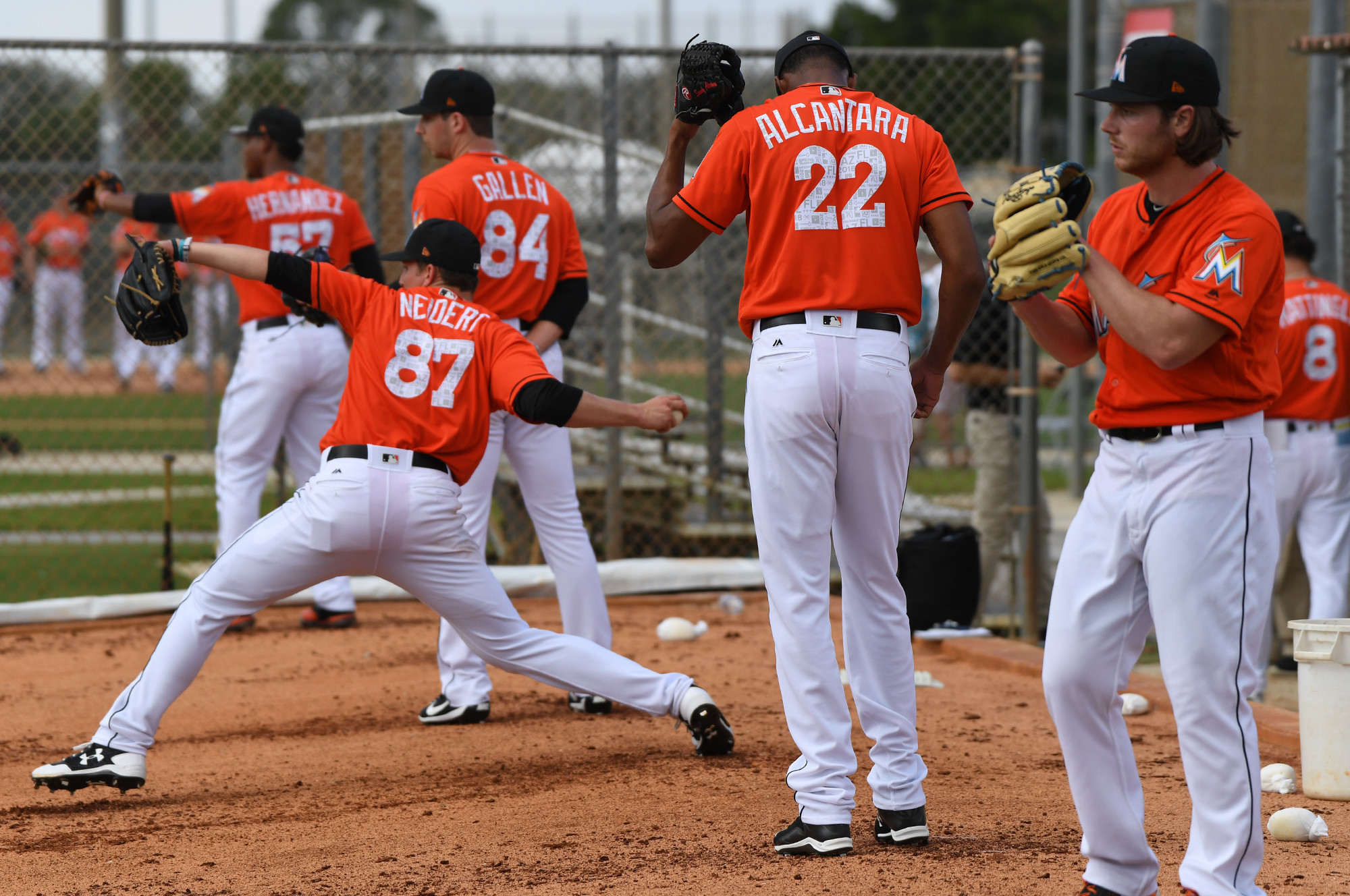 Sfl-marlins-pitchers-and-catchers-report-to-jupiter-20180214