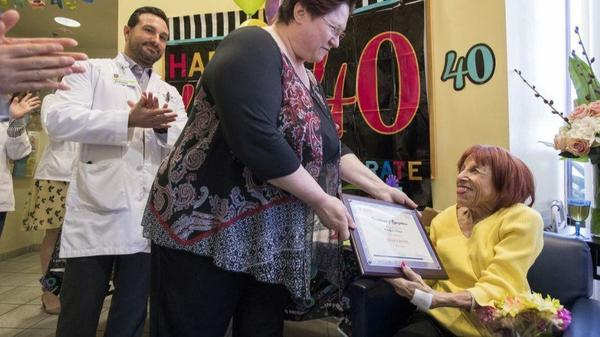 A party to celebrate a woman's perseverance: 40 years on dialysis