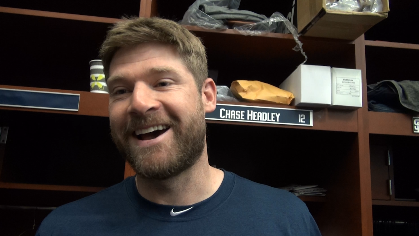 Sd-sp-padres-chase-headley-arrives-spring-training-0217