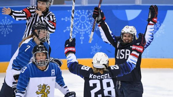 U.S. women's hockey cruises to gold-medal game after 5-0 victory over Finland