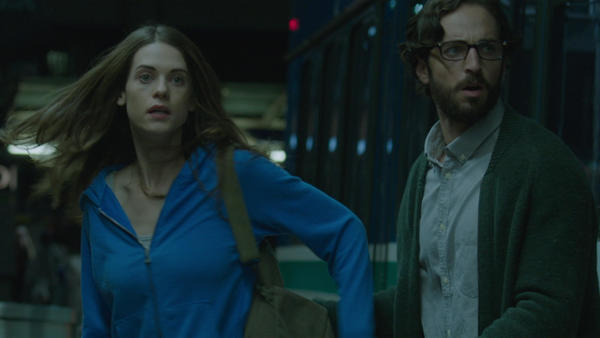 Stylish sci-fi thriller 'Curvature' trapped in first dimension