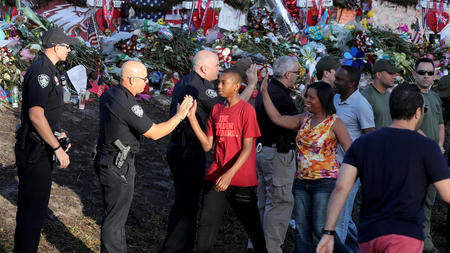 Parkland students make the difficult move back to school (sun-sentinel.com)