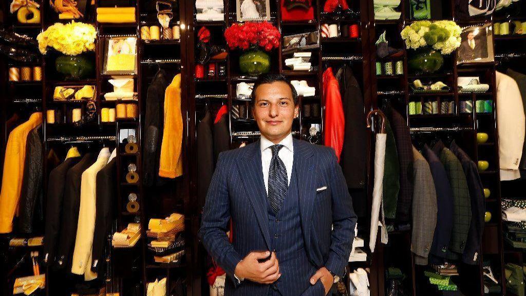 Fashion Scion Nicolas Bijan Pakzad Buttons Up A Sale In