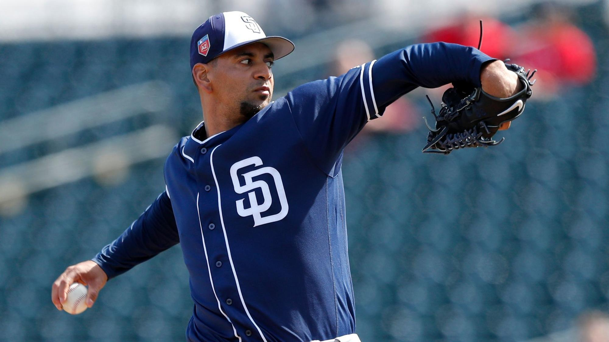 Christian Villanueva stays hot for Padres with grand slam ...