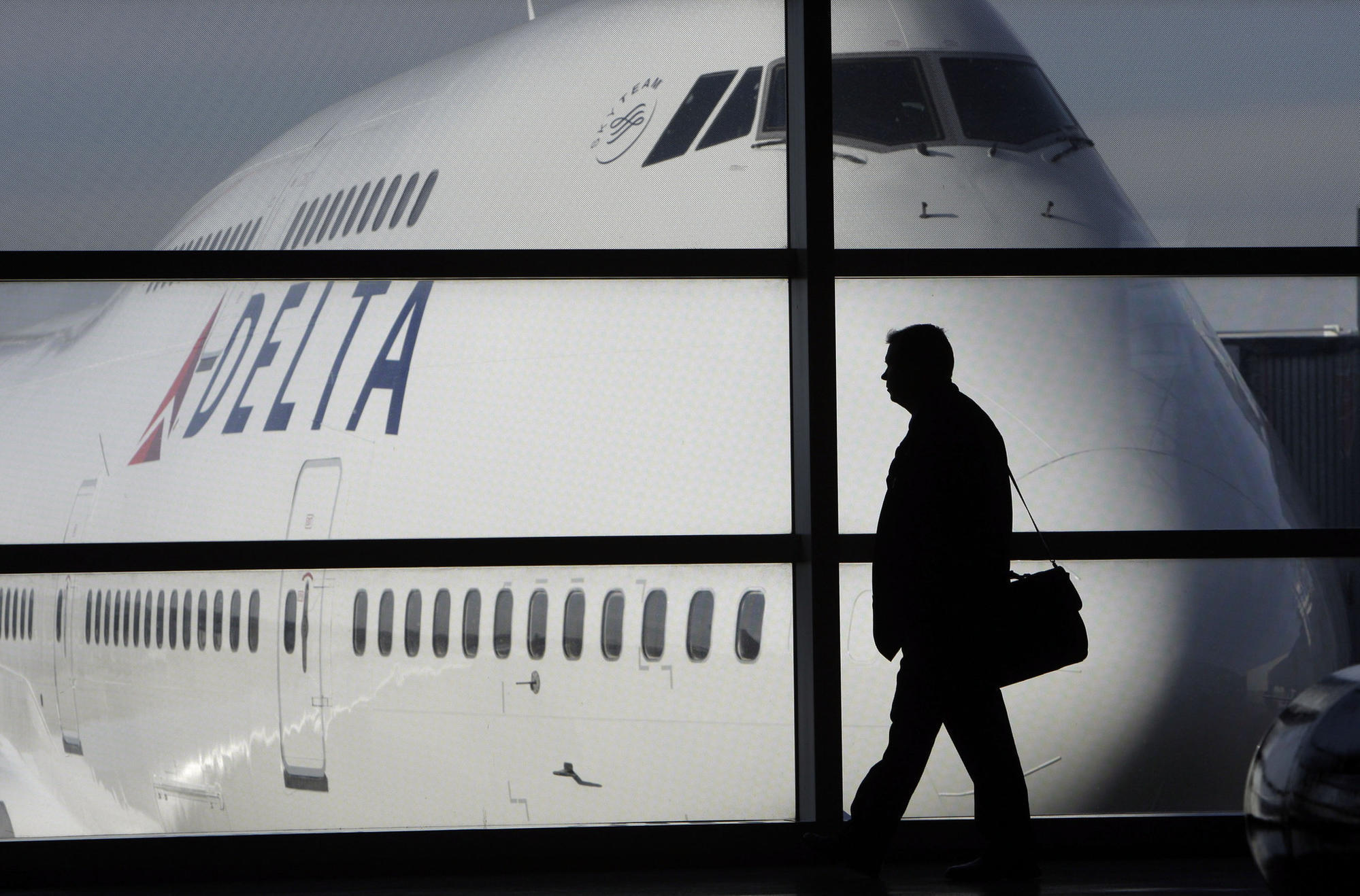 Delta spat with NRA prompts Florida welcome