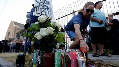 Los ataques con armas también afectan a los latinos: más de 3,000 asesinados al año