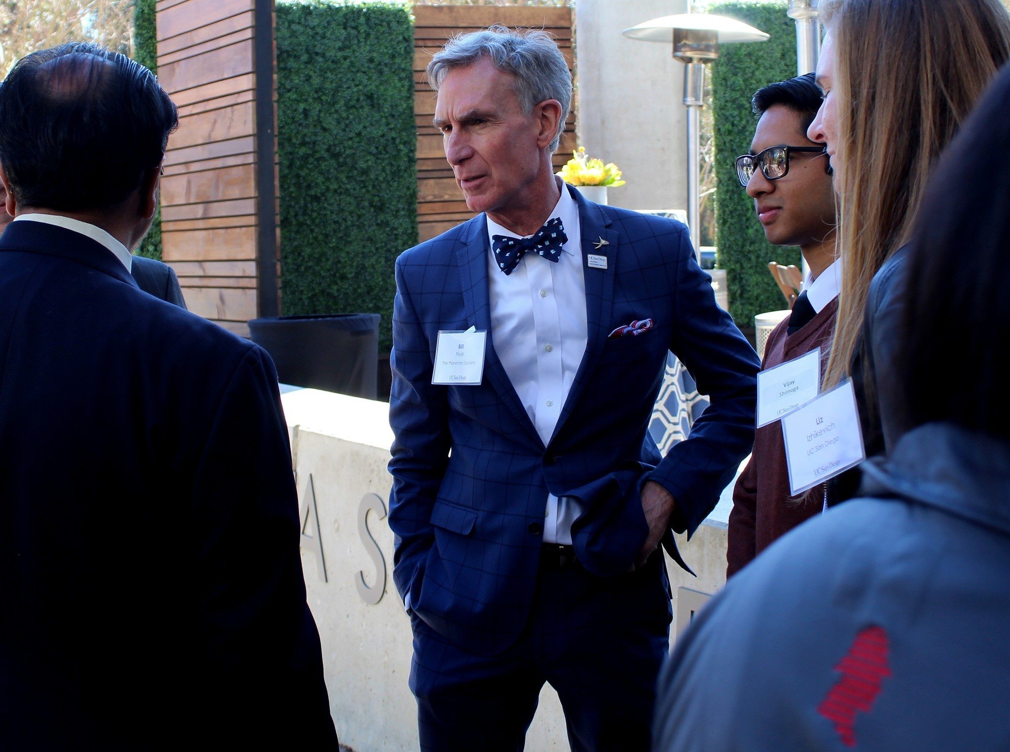 Bill Nye talks science with UC San Diego staffers and students