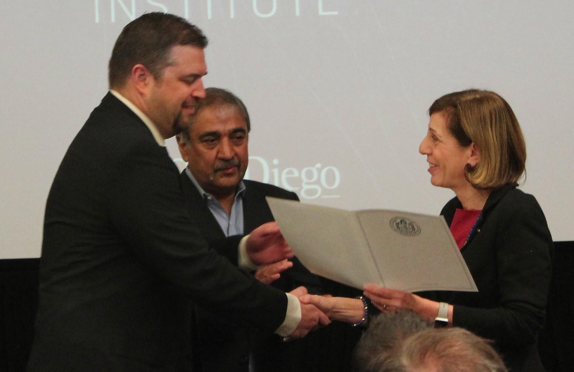 Taner Halicioğlu, Pradeep Khosla, Barbara Bry