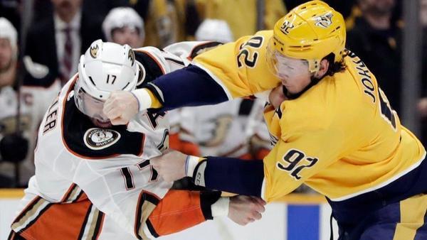 Ducks Take A Beating From Streaking Predators In 'Smashville'