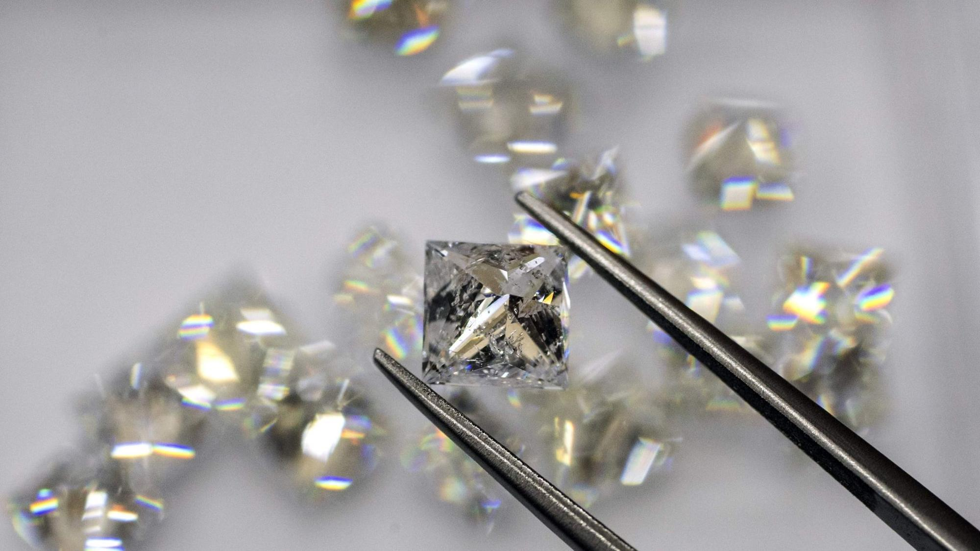 Type of ice not known on Earth found in diamond