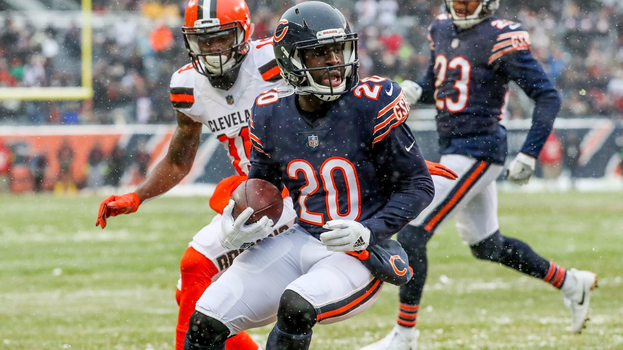 Ct-spt-bears-free-agents-20180312