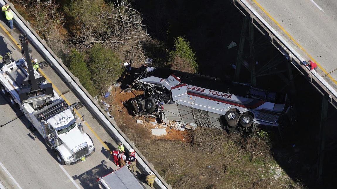 Driver dies in bus crash involving high school band members
