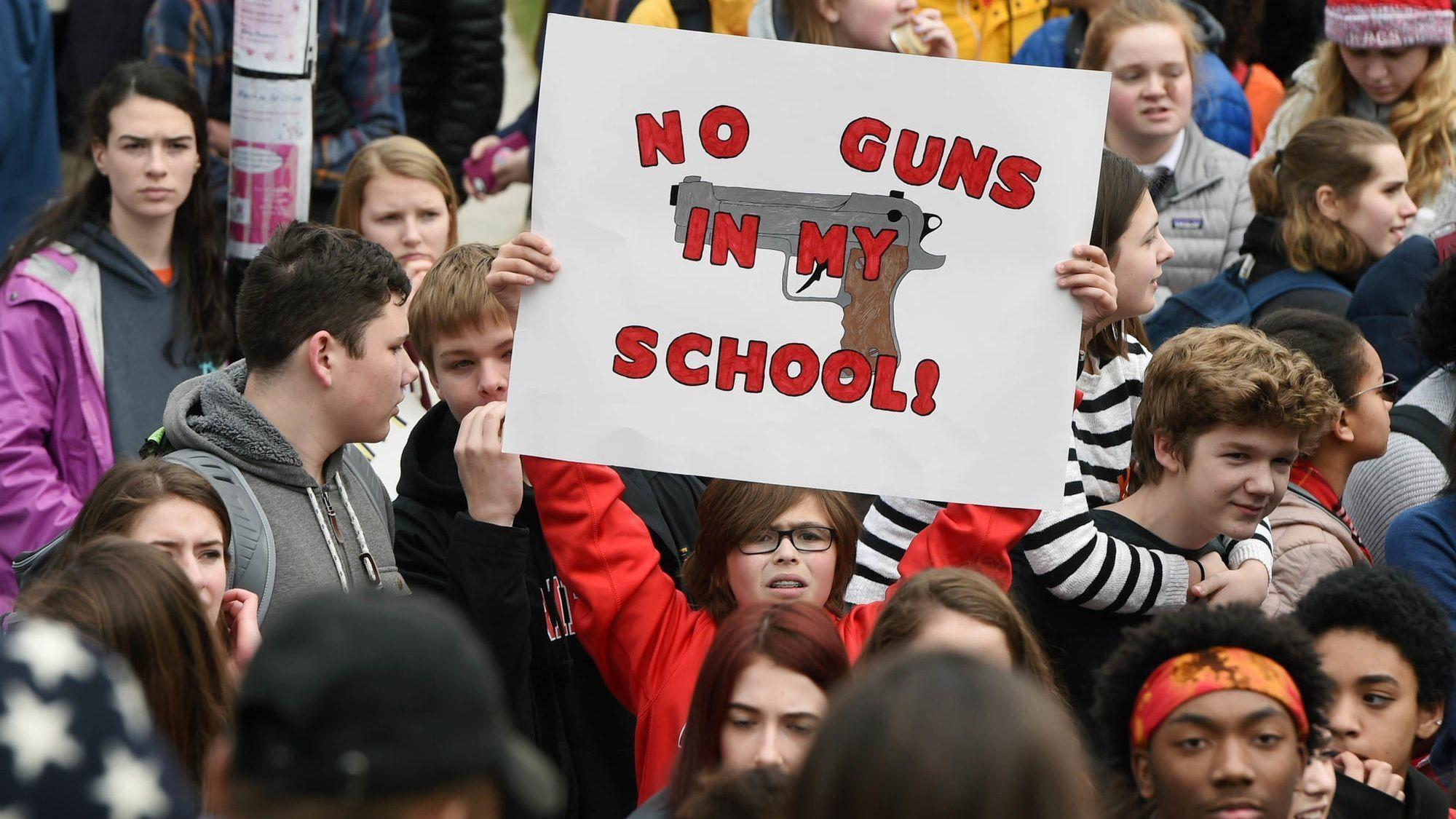 guns should be or should not be carried However, there are public places that have a no guns allowed policy even for gun owners who hold legal right-to-carry permits alert: should obama have more control over guns vote now.