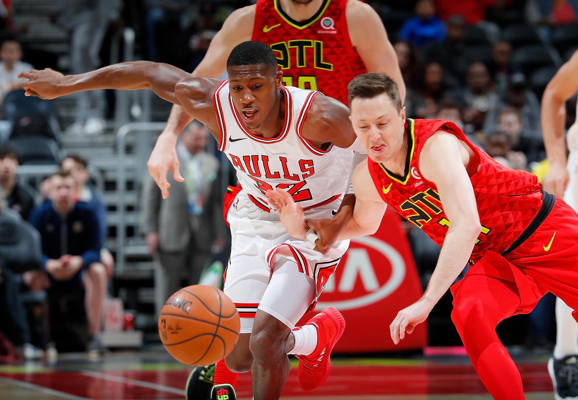 Bulls Players Mesmerized By The Hot Sauce Vs  Darren Rovell Mismatch