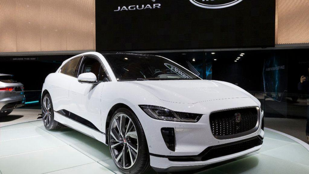 Jaguar I-Pace undercuts and outperforms Tesla Model X ...