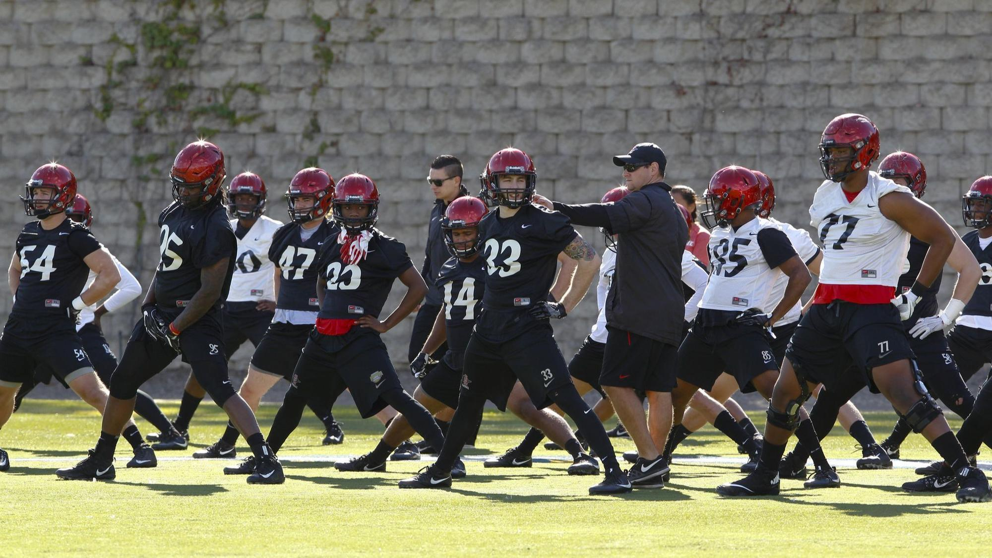 Sd-sp-azfoot-sdsu-wraps-up-spring-practice-0314