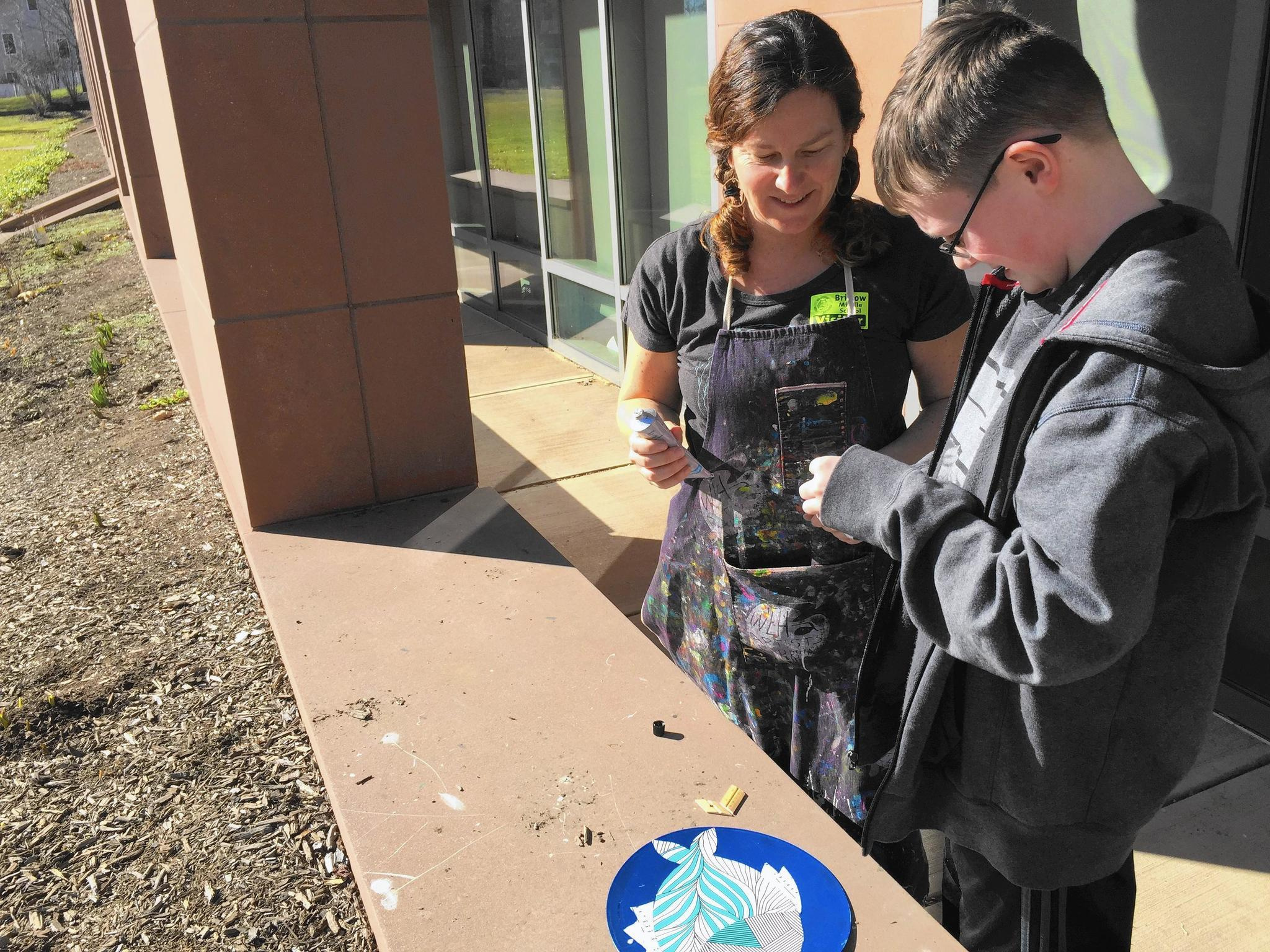 Bristow Middle School Students Work With Local Artist On Sculpture ...