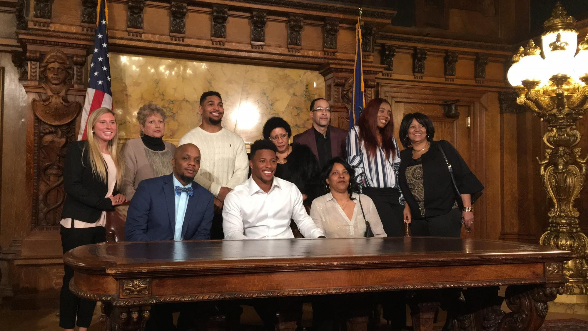 Mc-spt-pennsylvania-recognizes-saquon-barkley-day-20180314