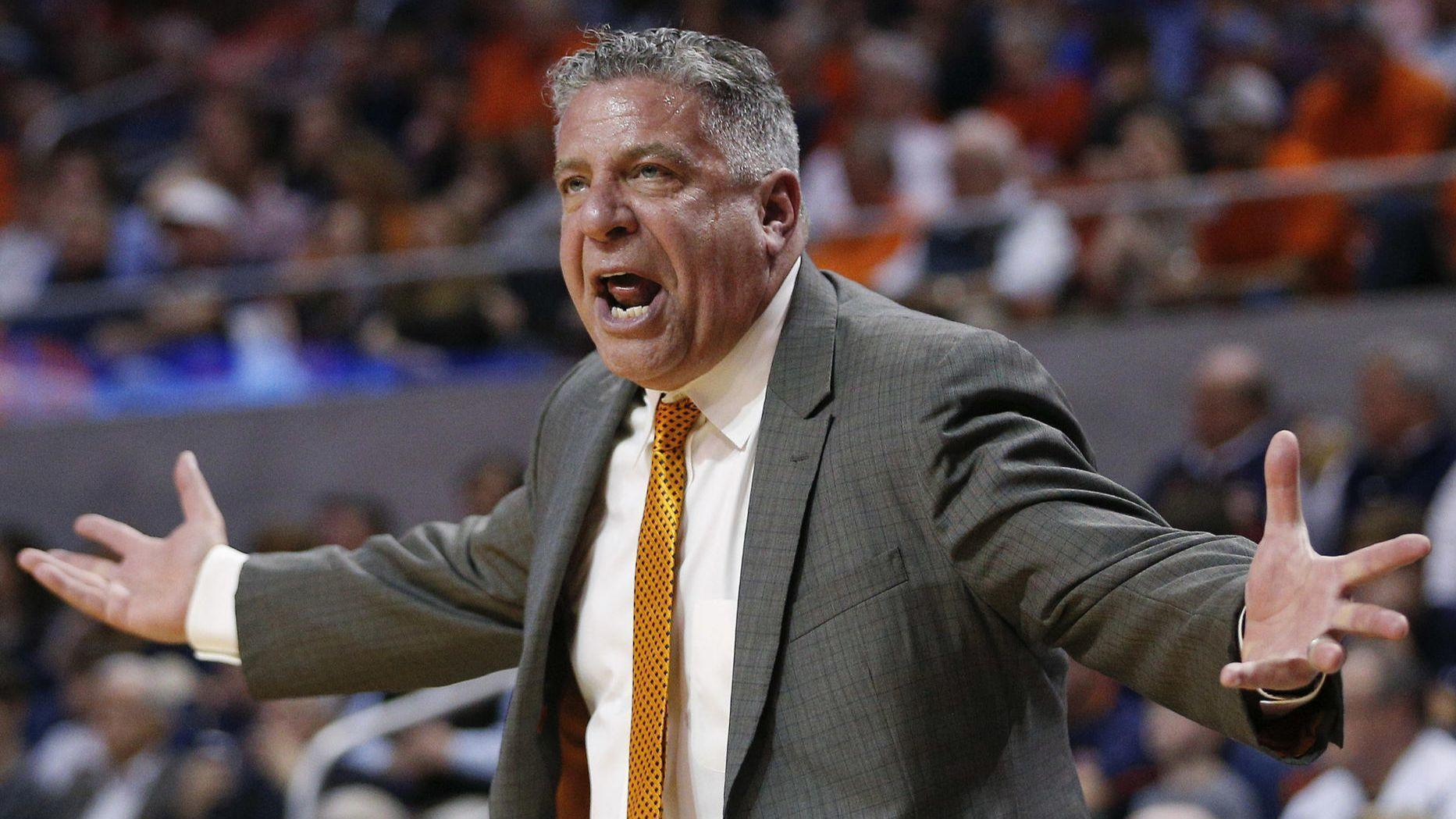 Ct-spt-bruce-pearl-jimmy-collins-ncaa-tournament-20180315