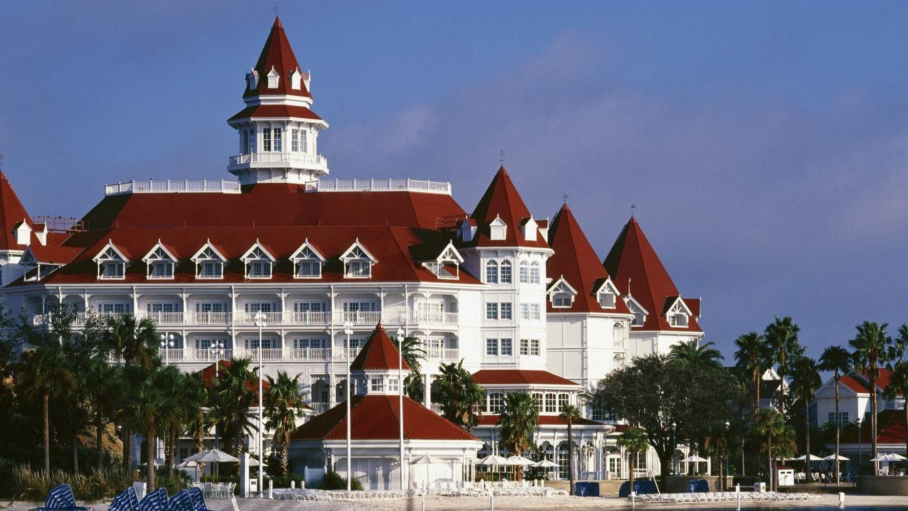 Walt Disney World Hotel Guests To Pay New Parking Fees Orlando Sentinel