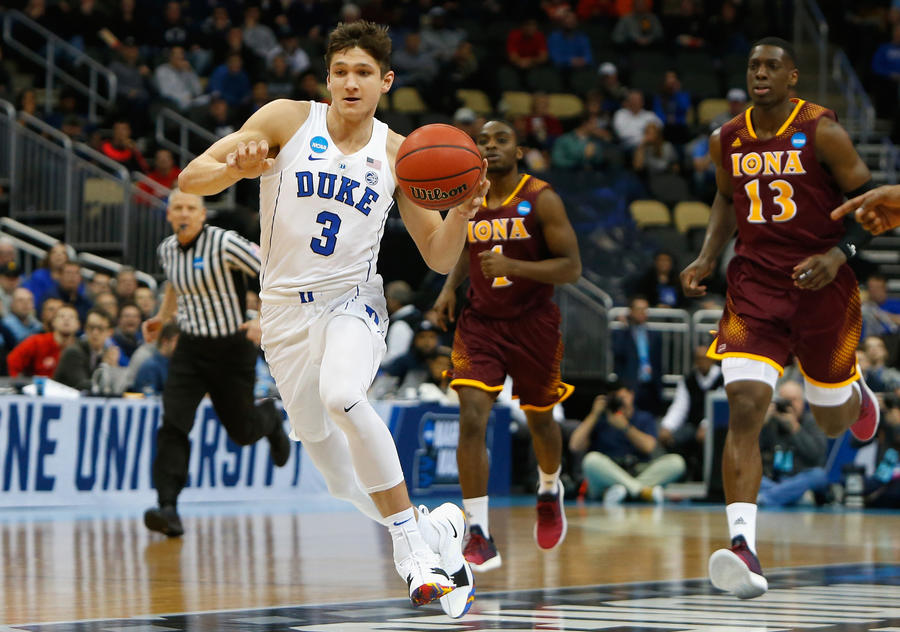 Duke's Grayson Allen (3) controls the ball against Iona during the first half of the game in the first round of the NCAA tournament. (Justin K. Aller / Getty Images)