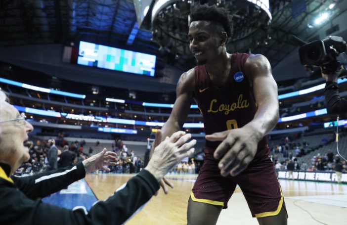 Loyola's NCAA tournament ride continues with 64-62 buzzer-beater against Miami