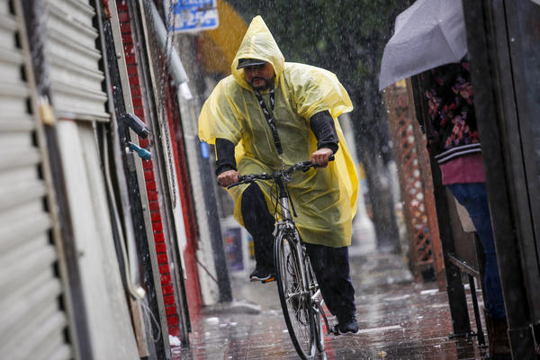 Storm brings record rainfall, little damage to Southern California. But the worst may be yet to come | Los Angeles Times