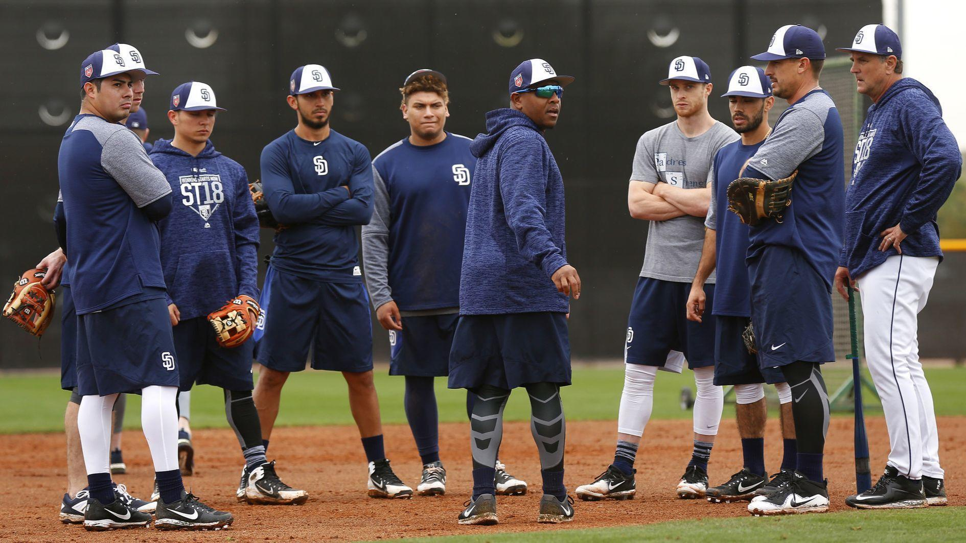 Sd-sp-talking-with-new-padres-infield-coach-josh-johnson-20180322