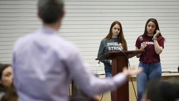 On the road for gun control, Parkland students bring their stories to L.A. schools | Los Angeles Times