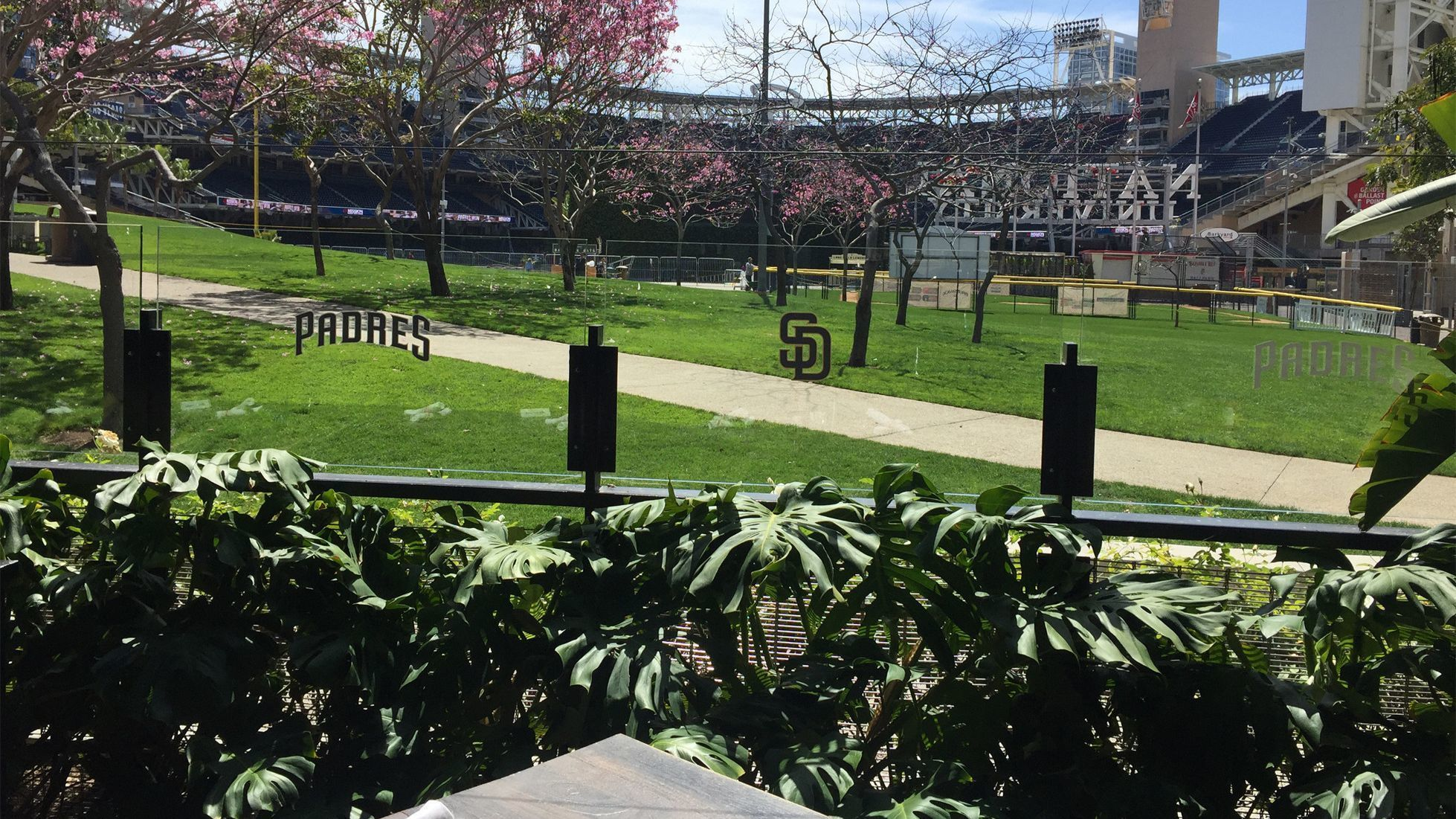 Ballpark bites: Our 18 picks for spots to eat and drink outside Petco Park