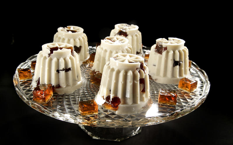 Root beer float squares