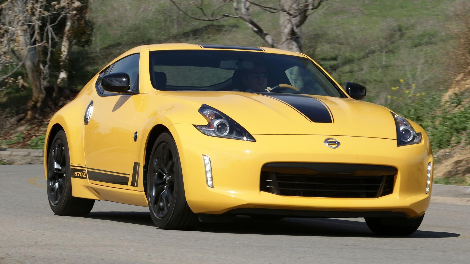 nissan 370z is a sports car anachronism a fast one orlando sentinel. Black Bedroom Furniture Sets. Home Design Ideas