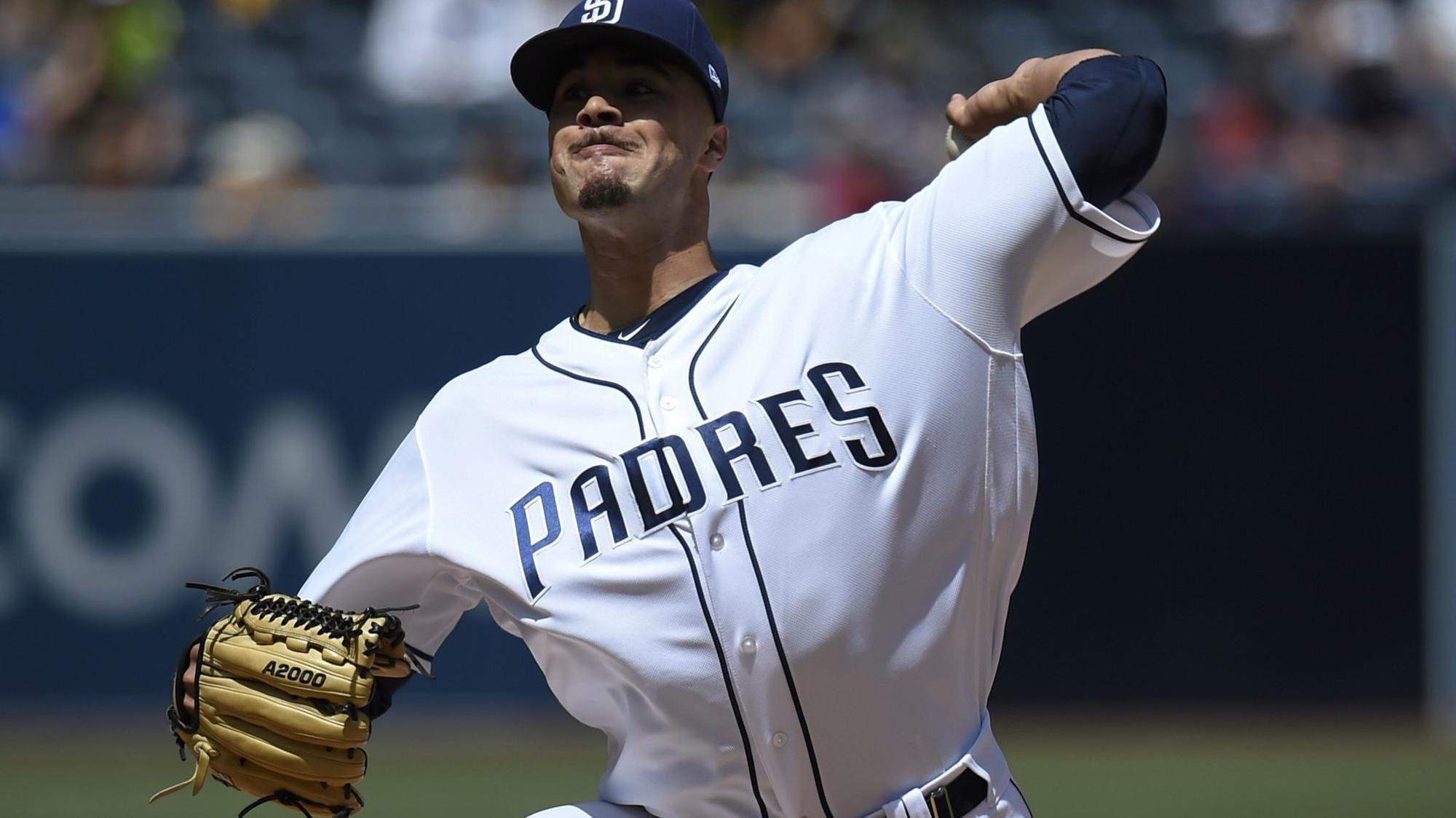 Sd-sp-joey-lucchesi-impresses-before-padres-lose-late-20180405