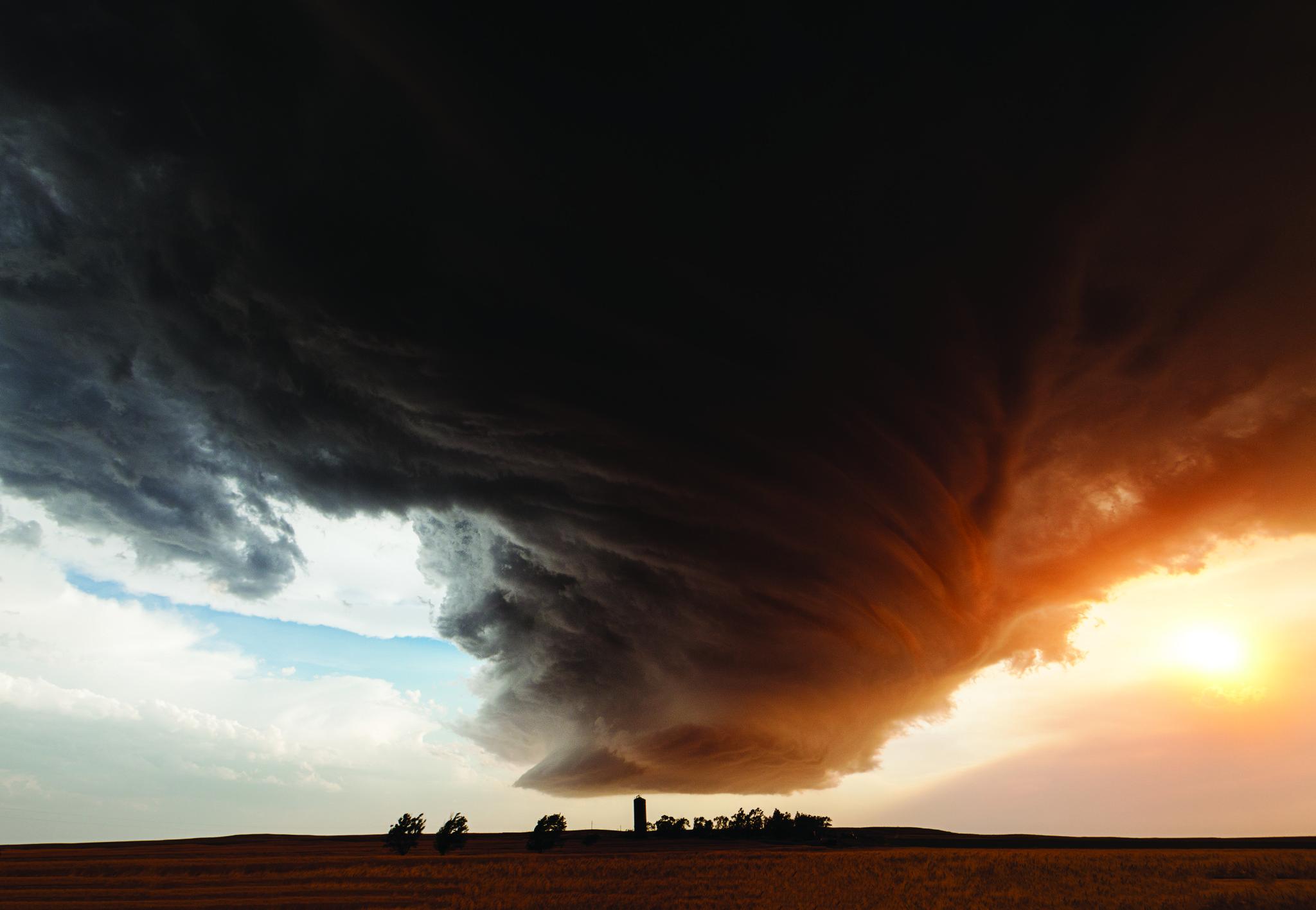 "Camille Seaman's ""The Big Cloud"""