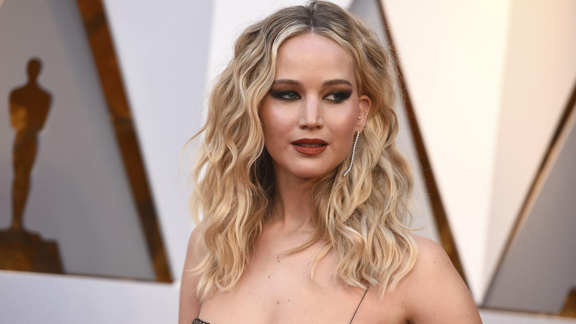 connecticut man admits to hacking accounts of jennifer lawrence