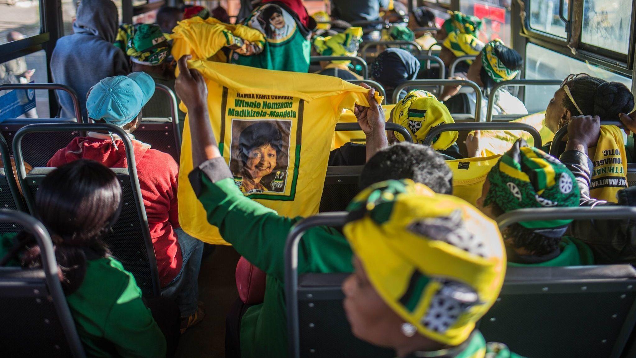 TOPSHOT-SAFRICA-POLITICS-MANDELA-WINNIE-FUNERAL