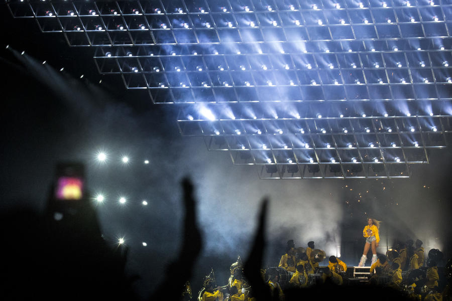 Twenty-time Grammy winner Beyoncé slays on Day 2 of Coachella. (Kent Nishimura / Los Angeles Times)